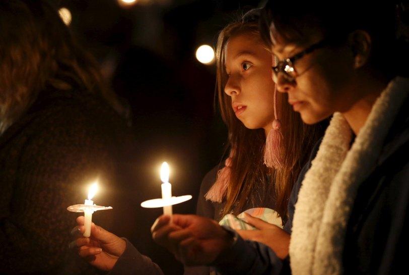 San Bernadino- vigil via thedailybeastcom.jpg