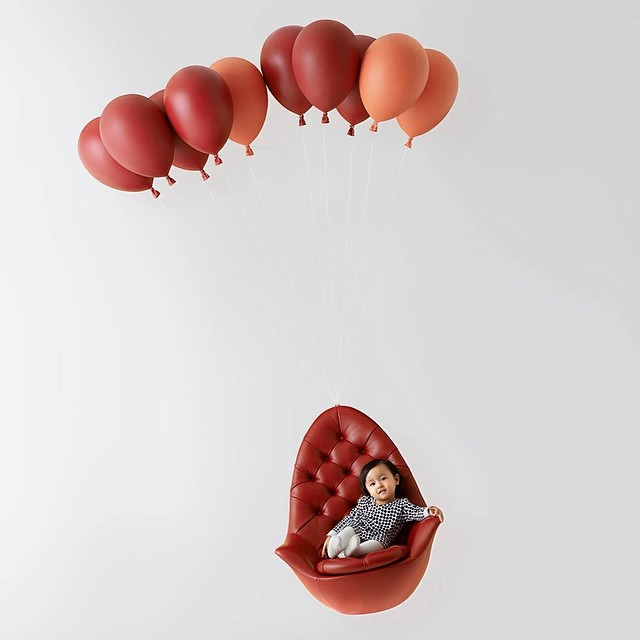 balloons floating chair