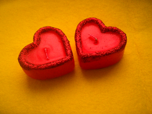 Love candle via flickr